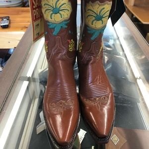Ladies Lucchese boots PB flower NWT 7M 1883
